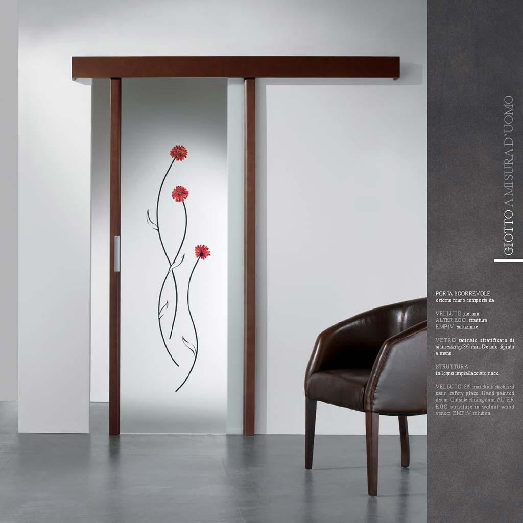 Porta scorrevole con vetro dipinto a mano da MDB Portas Nurith ...