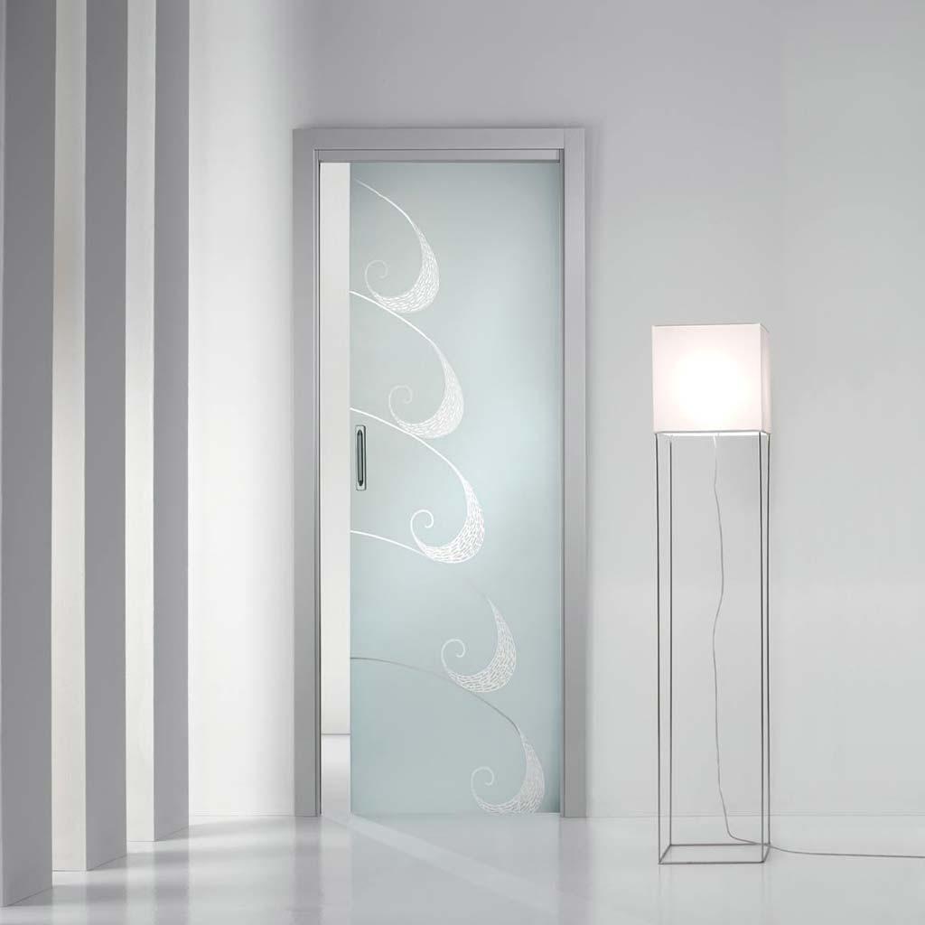 Porta scorrevole con decorazioni trasparenti mdbportas - Decorazioni porte interne ...