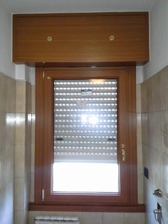Finestra in pvc effetto legno a paderno dugnano mdb for Finestre pvc usate